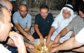 هذا اوان وموعد القرصه او اللصيمه فهي اكله جنوبيه فلسطينيه بامتياز